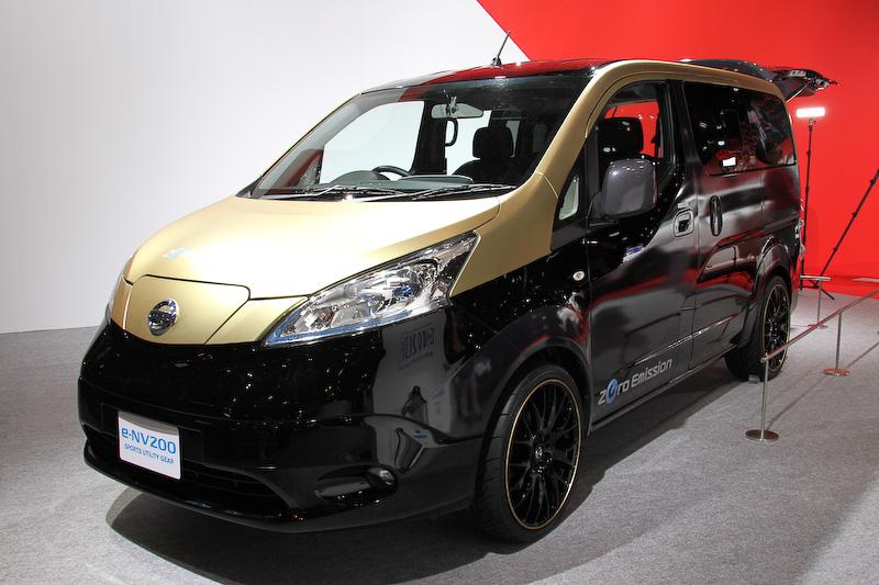 スタイリッシュなエクステリアデザインに仕上げられた日産の「e-NV200 Sports Utility Gear」