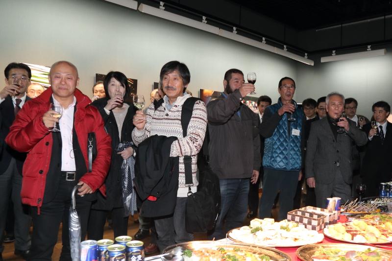 選手やレース関係者、カメラメーカー、メディアなど様々な業界の関係者が集まった