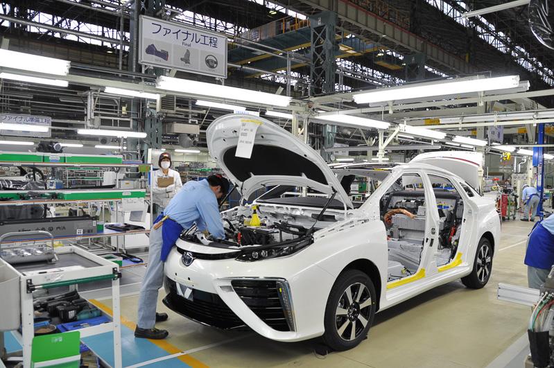 生産の進む燃料電池車ミライ