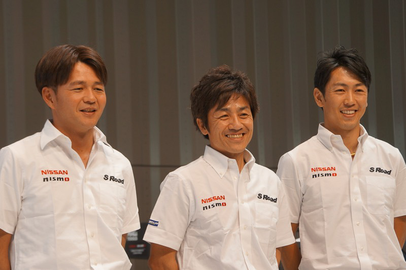 MOLA、左から本山哲選手、大駅俊臣監督、柳田真孝選手