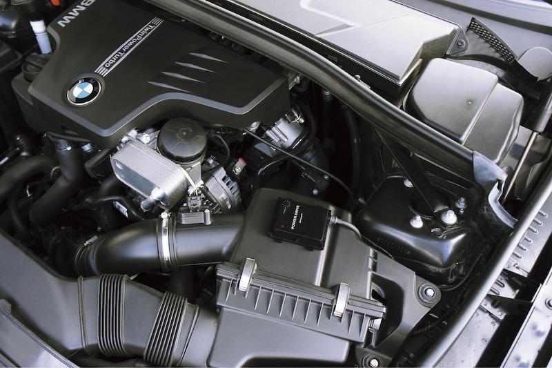 「POWER DRIVE」の搭載により、各モデルとも約35PS~40PSの出力向上が可能に。Z4(E89)の場合、0-100km/h加速が1.48秒短縮できるという
