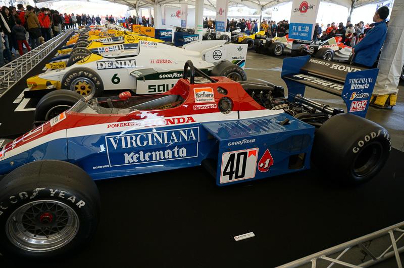 鈴鹿サーキットのグランドスタンド裏のGPスクエアで、歴代のホンダF1マシンが一堂に展示された