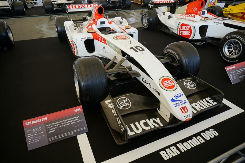 BAR・ホンダ006は2004年の車両。ドライバーはジェンソン・バトンと佐藤琢磨