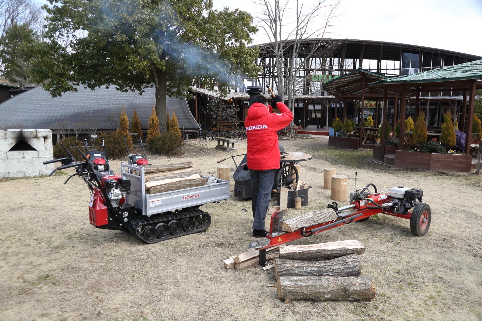 ツインリンクもてぎ内にある森の自然体験ミュージアム「ハローウッズ」でもホンダ汎用製品は大活躍