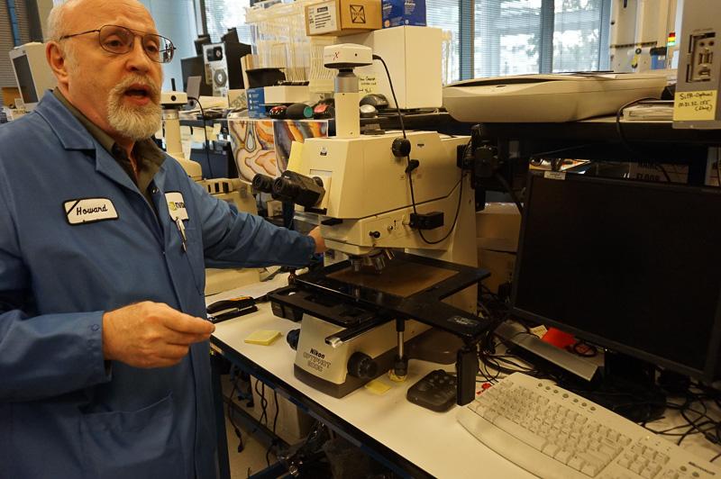 半導体は現在微細化がどんどん進行しており、こうした電子顕微鏡で何が起こっているのかを確認する作業が必要になる