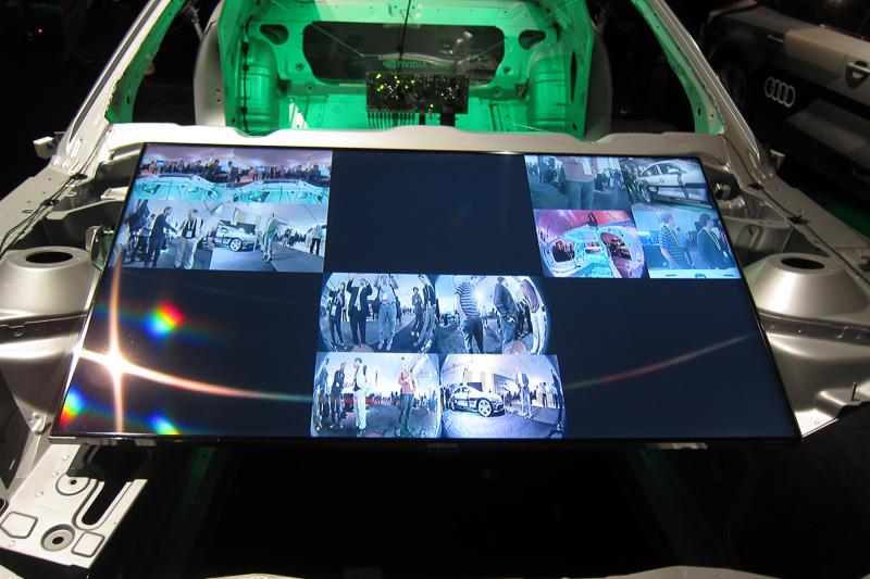 DRIVE PXと12個のカメラが取り付けられたホワイトボディー