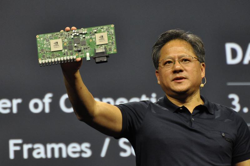 GTC2015の基調講演で、自動運転車開発キット「DRIVE PX」の価格や発売時期を発表した、NVIDIA共同創設者、社長兼CEOジェン・スン・フアン氏
