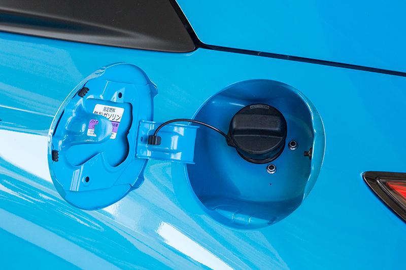 ガソリンは無鉛レギュラー仕様。燃料タンクは24L程度とのこと