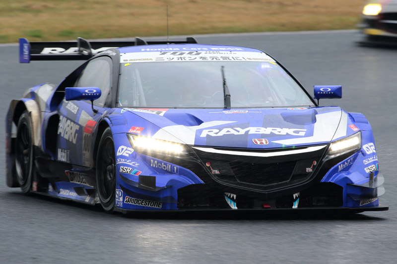 GT500 2位の100号車 RAYBRIG NSX CONCEPT-GT(山本尚貴/伊沢拓也)。伊沢拓也のシリーズ復帰戦初戦を表彰台獲得で飾った