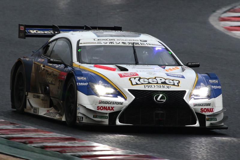 GT500で2年連続の開幕戦優勝を果たした37号車 KeePer TOM'S RC F(アンドレア・カルダレッリ/平川亮)。何度も2位以下に抜かれ、そのたびに抜き返すという忙しいレースになったが、結果的にはポールツーウインとなった