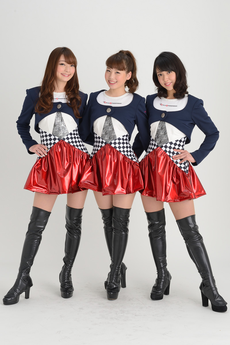 第10期クレインズは、左から安藤麻貴さん、はるまさん、湯浅あきなさんの3人