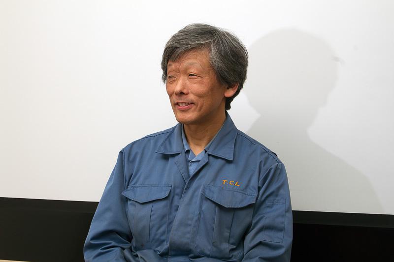 製品の試験や開発などについて教えてくれた技術開発部の山田輝部長。技術開発部はJISの試験や製品の品質管理も行っている。「谷川油化の頭脳」と言える部署なのだ