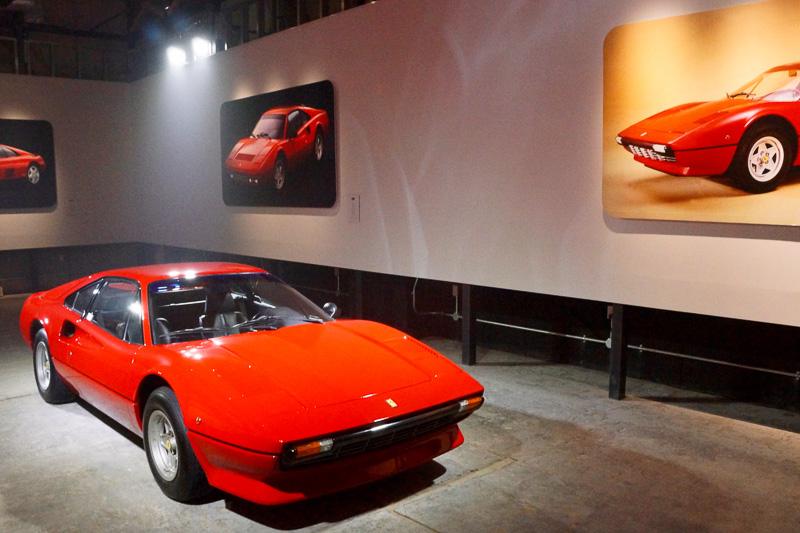 発表会に展示されたフェラーリ「308 GTB」