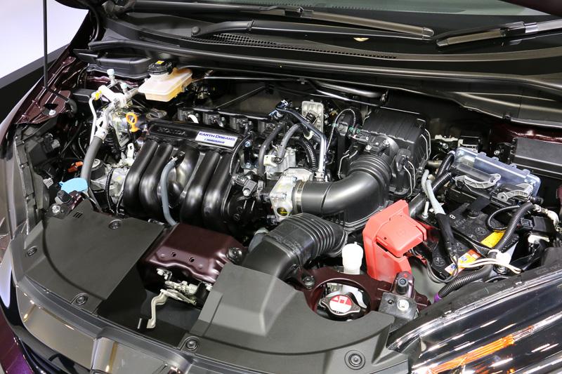 直列4気筒DOHC 1.5リッターとモーター内蔵の7速DCTを組み合わせる「L15B」ハイブリッドシステム。JC08モード燃費は25.8km/L~34.0km/L
