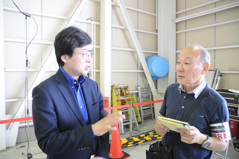 ホンダ エアクラフト カンパニー 取締役社長 藤野道格氏(左)と筆者