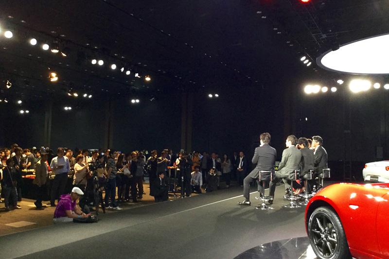 イベントで開催されたトークショーでは、マツダの新世代商品を担当した開発主査やデザイナーが開発の舞台裏などを明かした