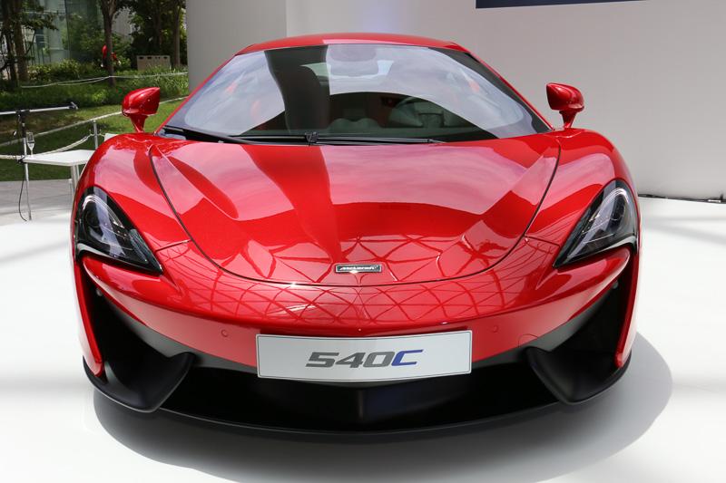 ボディーサイズは、4530×2095×1202mm(全長×全幅×全高)、車両重量は1350kg