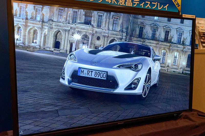 自動車業界向けには、実際の車両開発に用いられたCADデータをもとにフォトリアリスティックなリアルタイム3Dグラフィックを生成する「3DEXCITE XPLORE」というソフトウェアがある。これも近く3Dエクスペリエンス・プラットフォームに統合されるという