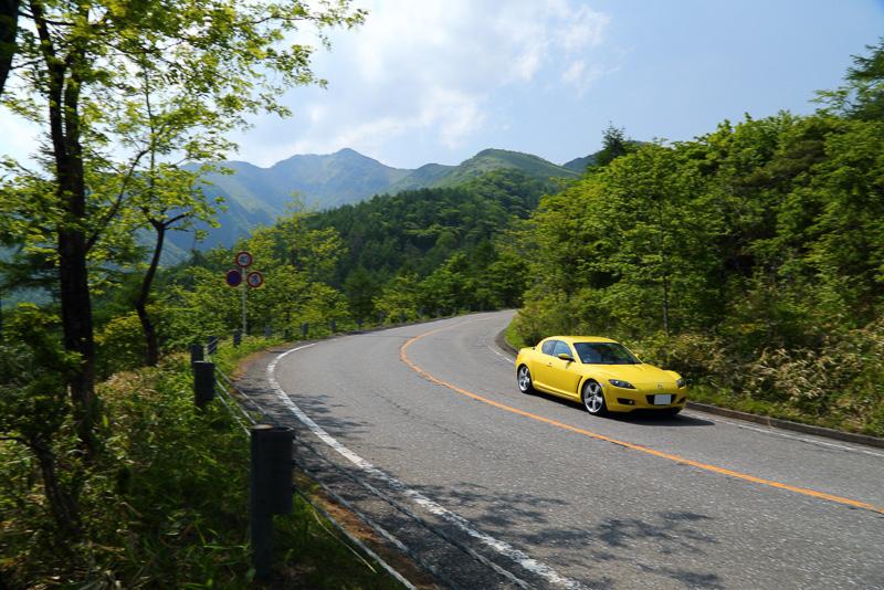 霧降高原の峠道でコーナーリング性能を確認