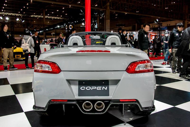 1月の東京オートサロン ダイハツブースで展示されたD-SPORTの「COPEN XPLAY×D-SPORT ストリート仕様」。ボディーキットとしての市販化が決定された
