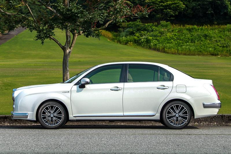 ボディーサイズは4510×1695×1460mm(2WD車の全長×全幅×全高。4WD車の全高は1485mm)