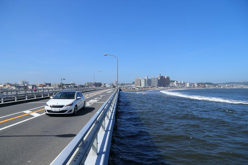 江の島大橋を渡り、目的地の江の島に到着!