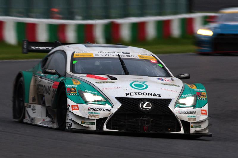 優勝した36号車 PETRONAS TOM'S RC F(伊藤大輔/ジェームス・ロシター組)