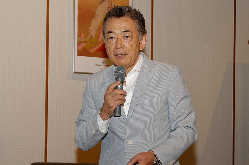 発表会では、F1解説の森脇氏がトークショー