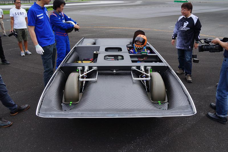 高速走行時の安定性を高めるため、ダンパーの調整など最適化を図った