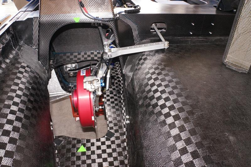ブレーキの径が左右で異なるため、テスト走行でブレーキバランスを調整