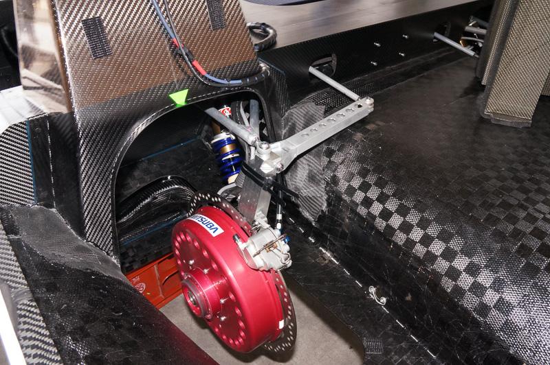 搭載するモーターは左後輪のインホイルモーターのみ