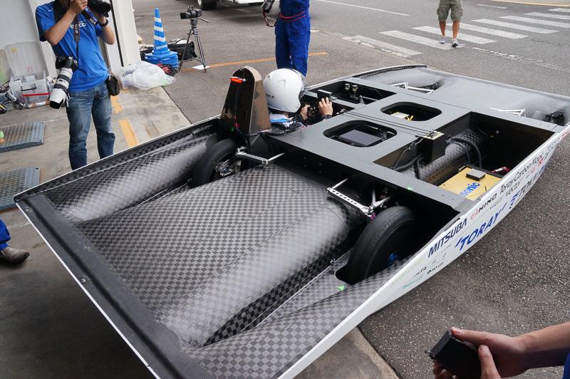 バッテリーを搭載しているのでソーラーパネルのない状態でも自走可能