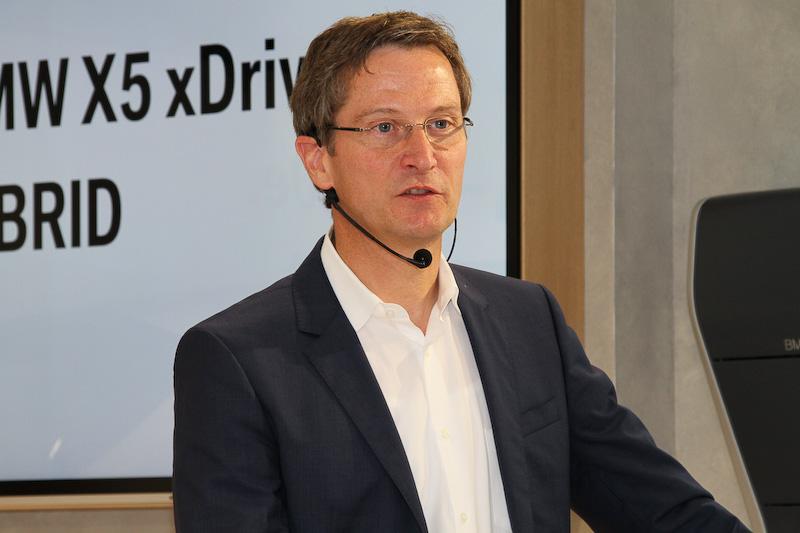 X5 xDrive40eの開発責任者を務めるゲルハルト・ティール氏