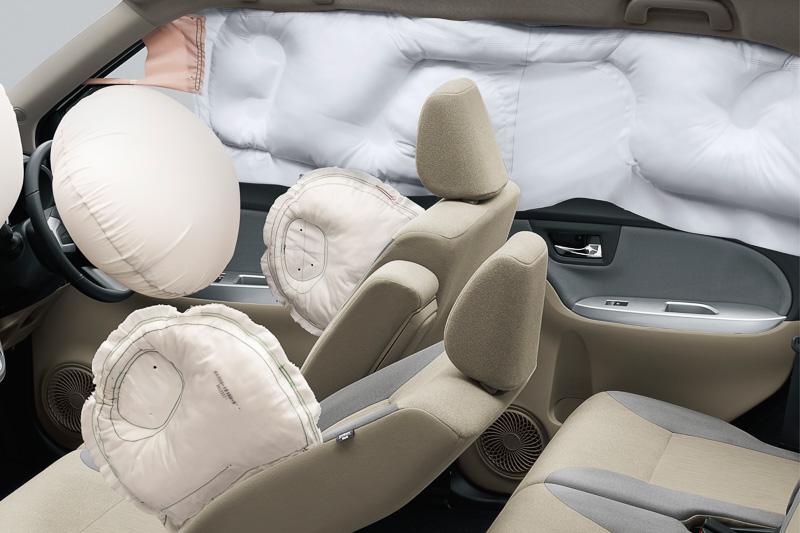 「SRSサイドエアバッグ(運転席/助手席)&SRSカーテンシールドエアバッグ」はX以外のグレードに6万4800円~7万7760円高でオプション設定