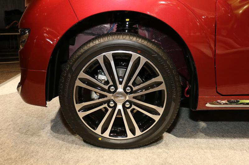 スタイルのタイヤ&ホイール。タイヤサイズは165/55 R15 75V