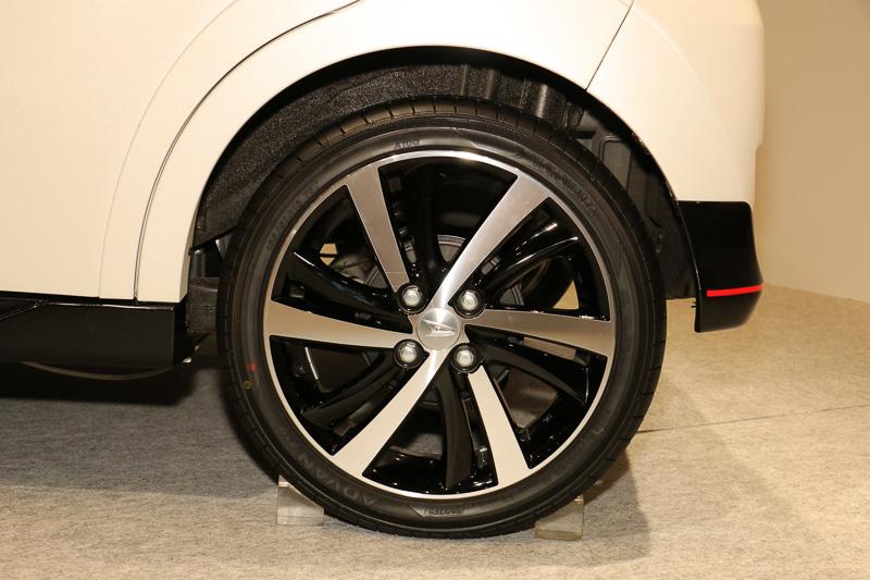 スポーツのタイヤ&ホイール。タイヤサイズは165/50 R16 75V