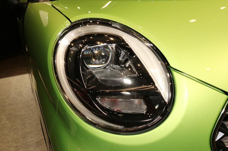"""「Bi-Angle LEDヘッドランプ」はG""""SA II""""とG ターボ""""SA II""""に標準装備、XとX""""SA II""""には5万4000円高でオプション設定"""