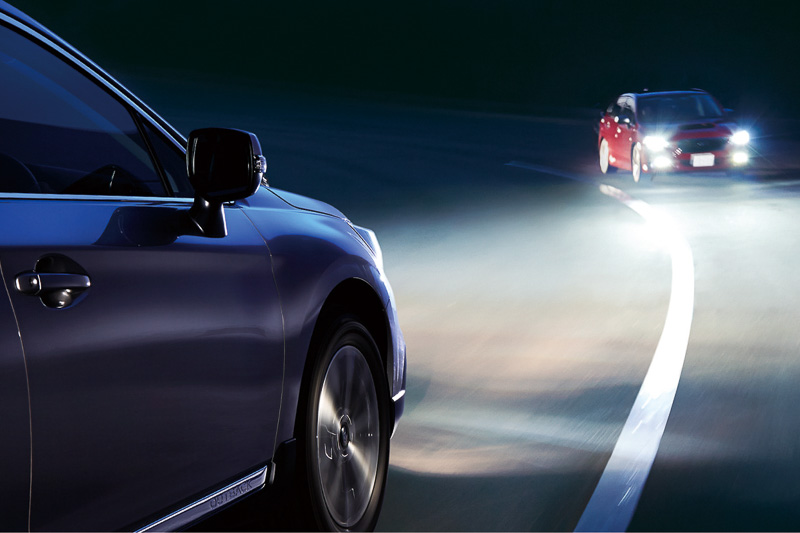 対向車などに気兼ねなくハイビームを使えるようになって安全性が高まる