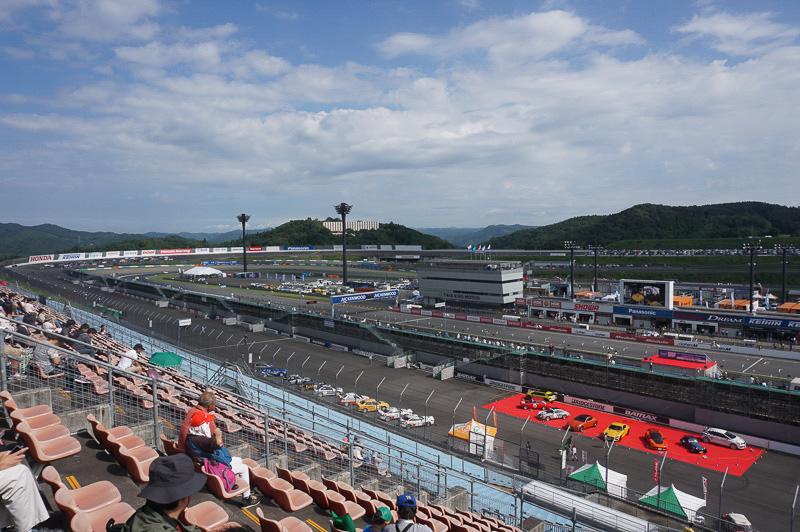 「2015 FIA世界ツーリングカー選手権シリーズ JVC KENWOOD 日本ラウンド」が開幕、9月12日朝のツインリンクもてぎは晴れ時々曇りという天気
