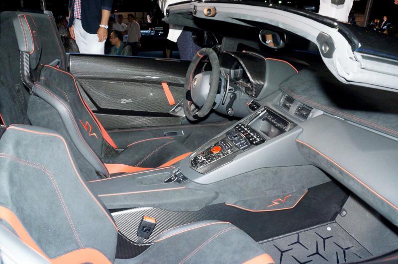 アヴェンタドール LP 750-4 スーパーヴェローチェ ロードスター