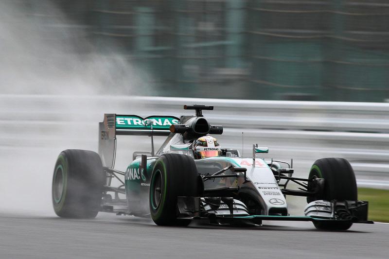 前戦は予想外の苦戦でリタイアに終わった2014年のチャンピオンで現ポイントリーダーのルイス・ハミルトン選手