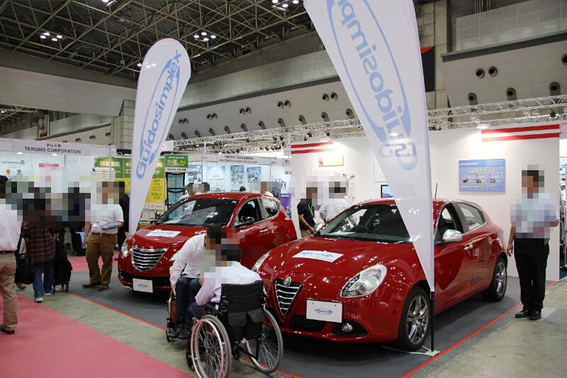 輸入代理店のジー・エス・ティーはグイドシンプレックスの運転補助装置を装着した車両を展示
