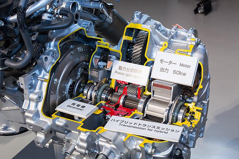 3代目、つまり現行プリウスのパワートレーン。エンジンは1.8リッター