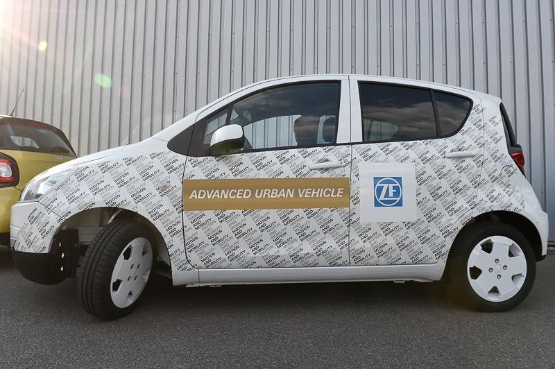 ZFが東京モーターショーに展示する都市型スマートカーのコンセプトカー「アドバンスト・アーバン・ビークル(AUV)」。半自動運転が可能で、都市部での利便性を重視した特性を持つ