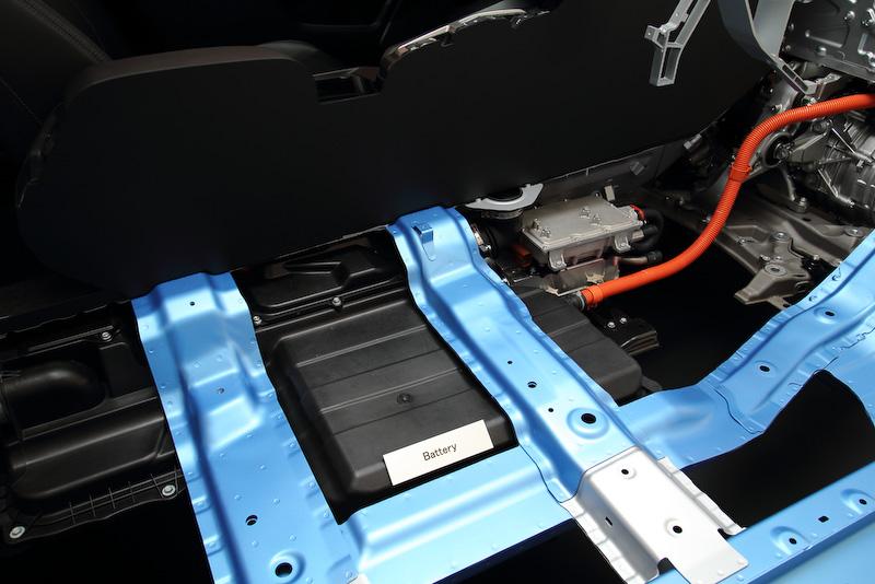 新型FCVのカットモデルも展示された