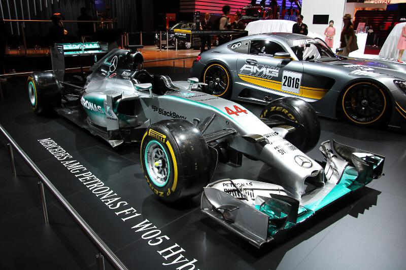 モータースポーツ車両も展示。2014のF1マシン「W05 Hybrid」