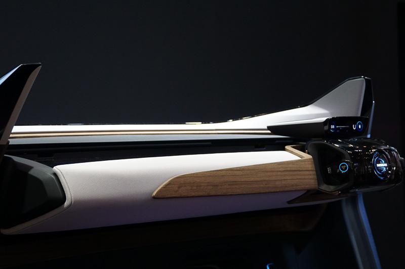 Nissan IDS Conceptのマニュアルドライブモード時のコクピット