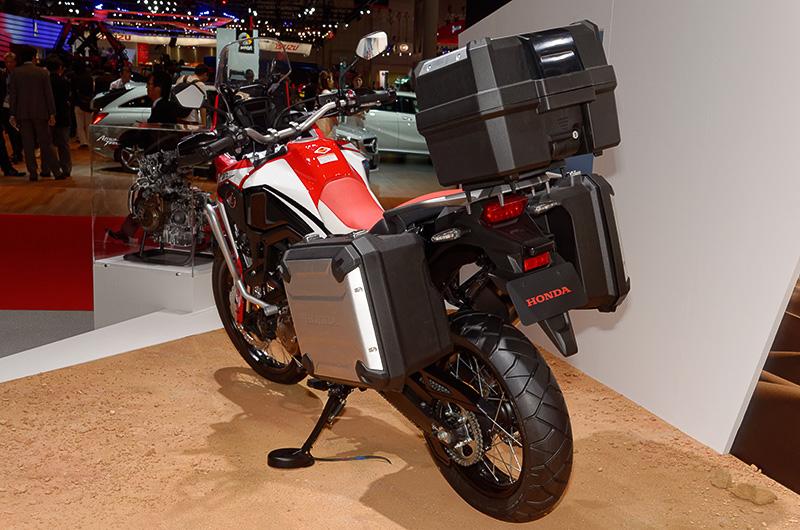 DCT(デュアルクラッチトランスミッション)を採用する「CRF1000L Africa Twin」