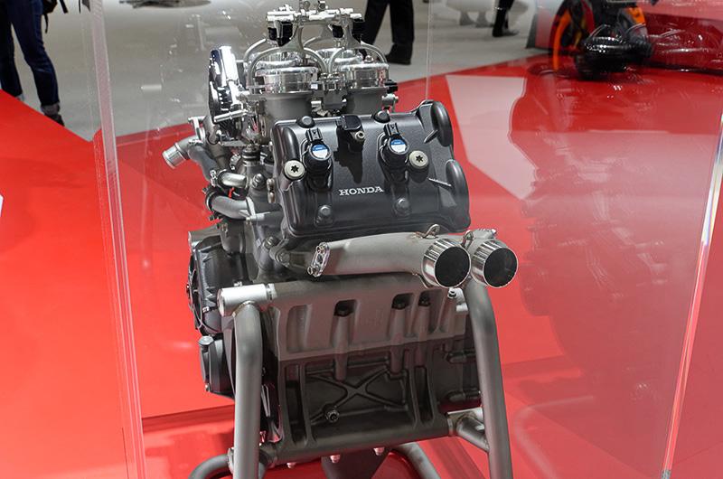 RC213V-Sのカットエンジン