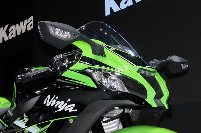 日本初公開の「Ninja ZX-10R ABS」(海外向けモデル)